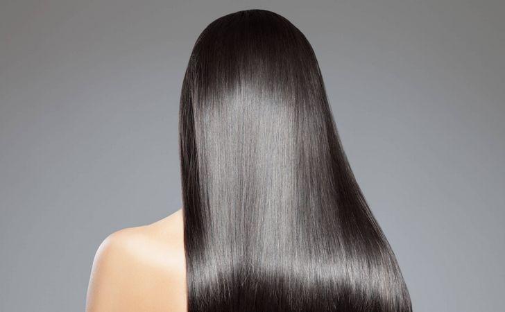 女性の美しい髪の毛の後ろ姿
