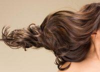 くせ毛の改善方法は?くせ毛になる原因と適したヘアケアをご紹介