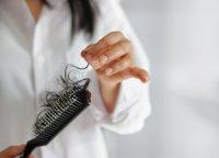 秋や冬の抜け毛対策は?秋に抜け毛が多い原因をご紹介