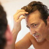 年齢の変化で髪質も変わる?髪のハリコシがなくなる原因とは